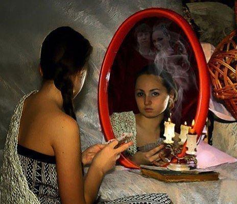 Зеркальная порча: что такое и как снять негатив от обряда