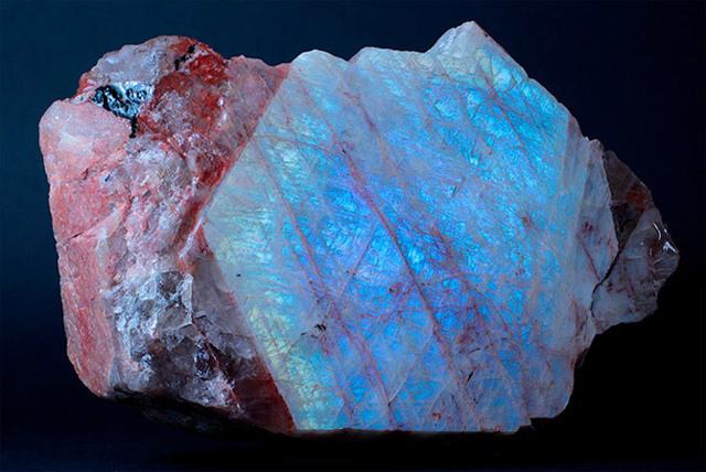 Беломорит: магические свойства камня