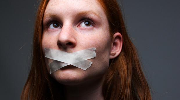 Заговор от заикания ребенка: читать матери и его последствия