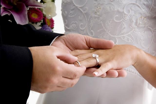 Линия брака на руке у женщины: значение в хиромантии