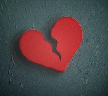 Порча на отношения и зарушение любви: как узнать сглаз