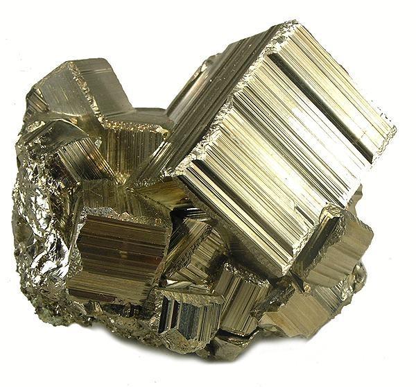 Камень пирит: магические свойства для женщин