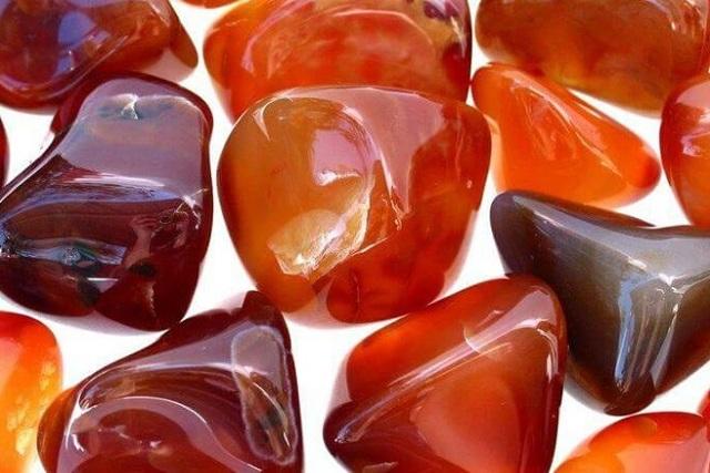 Овен: камень талисман для женщины по дате рождения