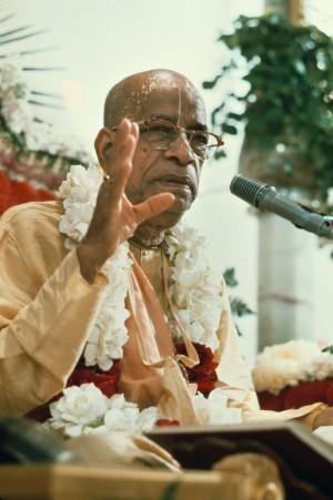 Харе Кришна мантра Маха: перевод и что означает текст