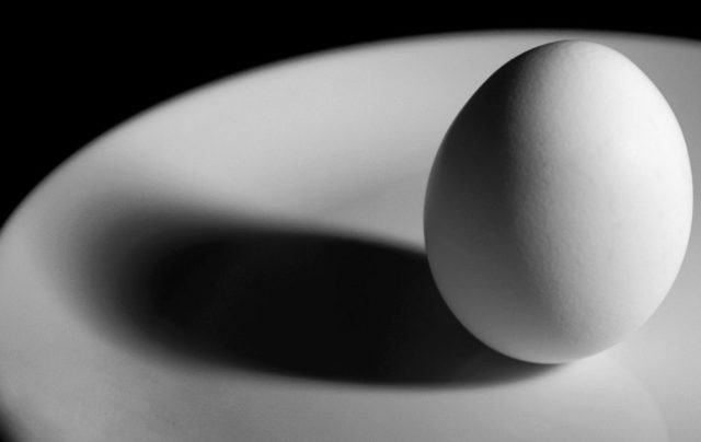 Порча на яйцо и скорлупу: магия и последствия