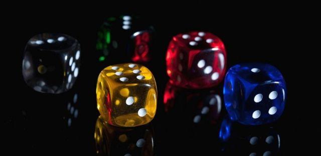 Гадание на кубиках и костях на будущее с точным ответом