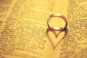 Гадание на стихах на любовь: как толковать выпавшие слова