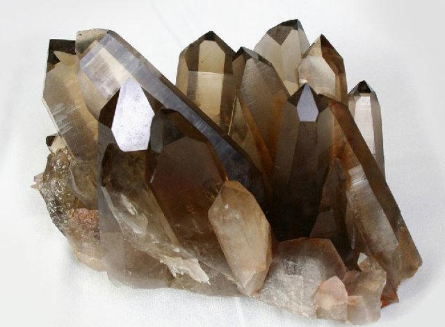 Раухтопаз: магические свойства камня по знаку зодиака