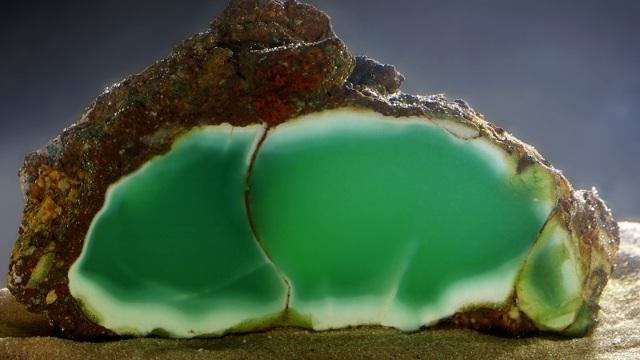 Хризопраз: магические свойства камня и знак зодиака