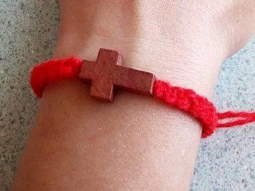 Каббала красная нить на запястье: что значит у мусульман