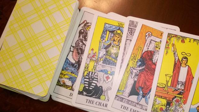 Гадание Путь: правила предсказывания на Таро