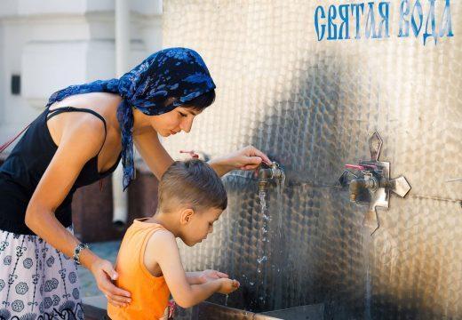 Как правильно умывать ребенка от сглаза на спичках и воде