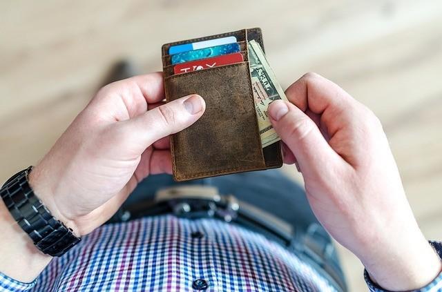Заговор в полнолуние на деньги который невозможно снять: как читать