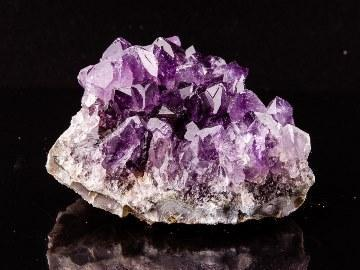 Камень аметист: магические свойства и кому подходит