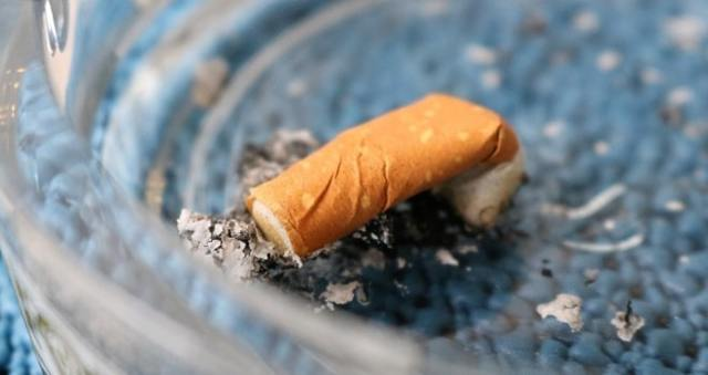 Приворот на сигарете с кровью: как читать на парня
