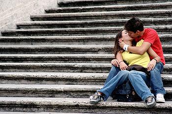 Приворот на любовь на расстоянии: читать в домашних условиях