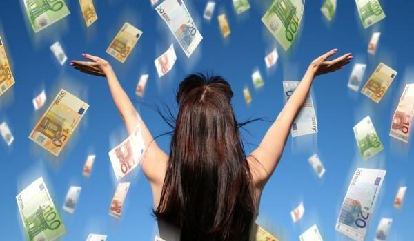 Обряд на привлечение денег: ритуалы в домашних условиях