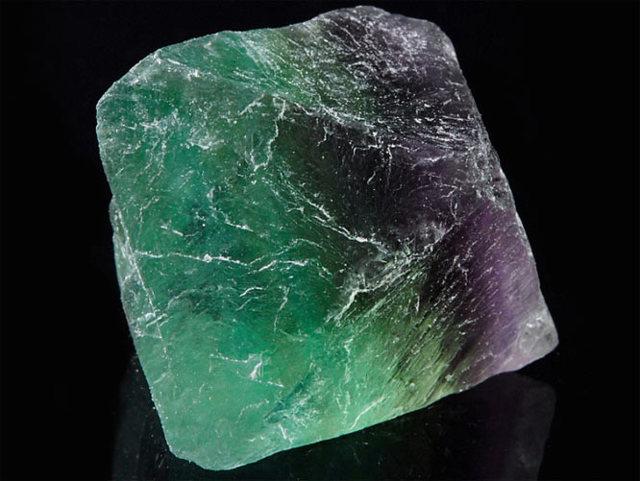 Флюорит: магические свойства камня и его использование